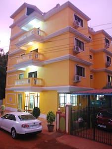 Super Luxurious rooms near Candolim Beach - Candolim