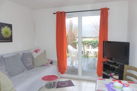 Appartement lumineux avec terrasse - Piscine
