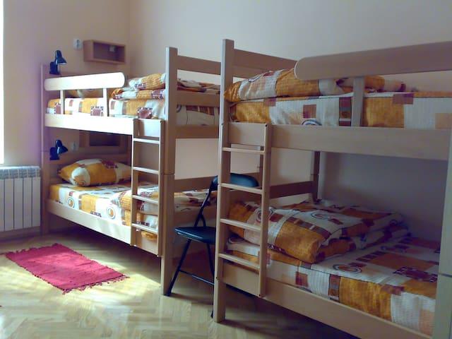 Hostel M .net - Dormitory 6-bed - Beograd - Huoneisto