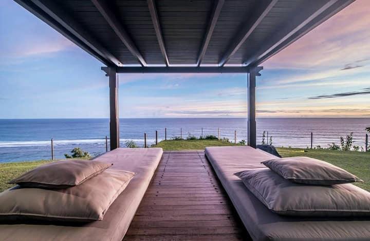 Cliff 3 Bedroom Villa Uluwatu