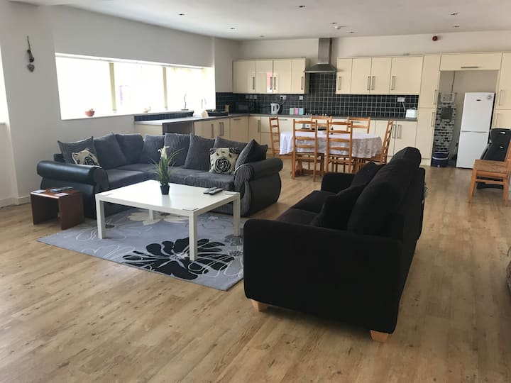 Modern flat in the centre of Newcastle-Under-Lyme
