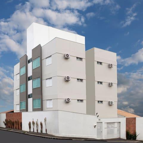 Edifício Apoena em Uberlândia - Uberlândia - Apartamento