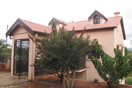 Maison Soanavela ( l'Héritage )