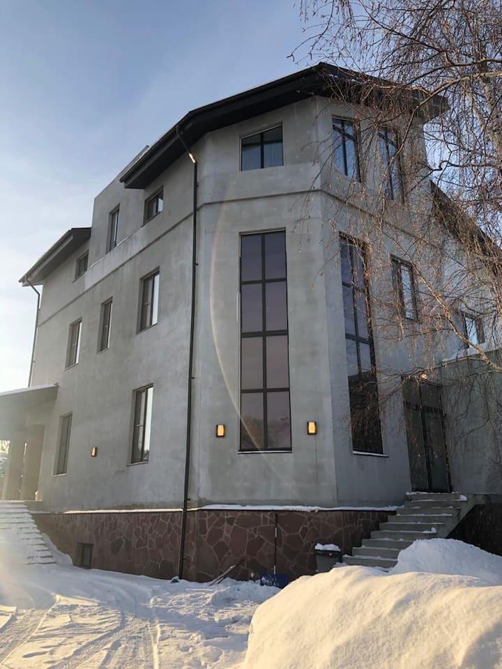 Большой комфортный дом в Палниксе