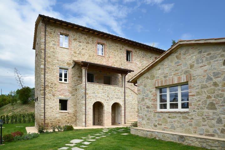 Villa Il Poderone - Magione - Villa
