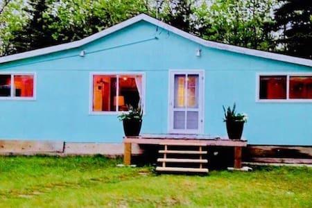 Gimli Beach Cottage!