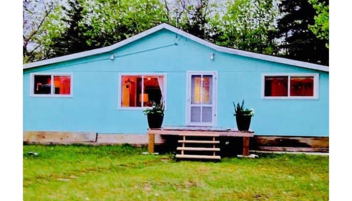Gimli Beach Cottage!