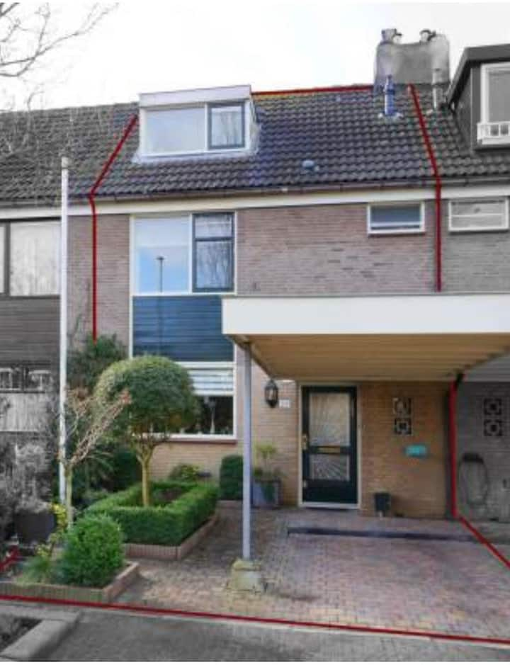 Lovely, childfriendly, house nearby Utrecht.