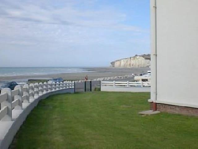 Vues sur mer et campagne normande à petit prix - Criel-sur-Mer - Lejlighed