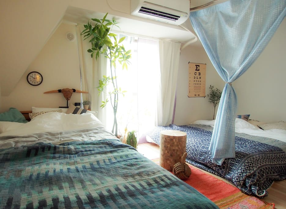 Comfortable big bed, have a good dream here. 舒适的大床,做个好梦~