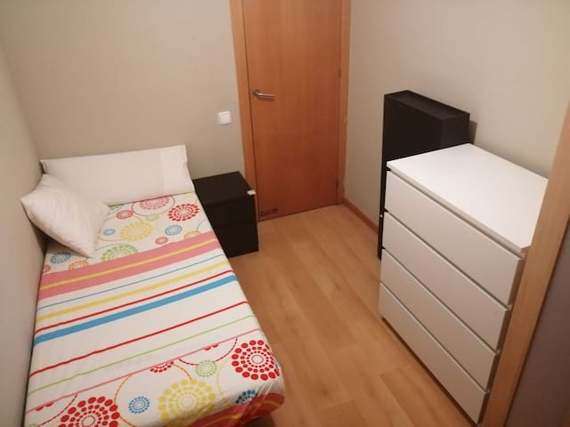 Single room in Barcelona, the Gracia Neighborhood