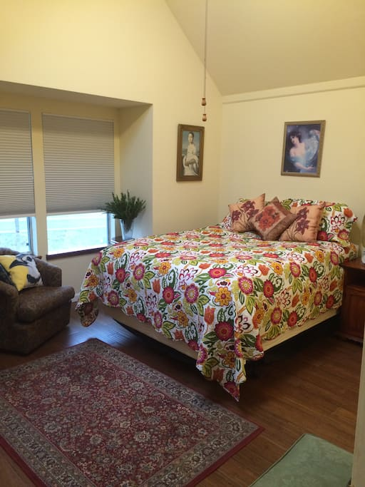 Rosemary Room (master suite)