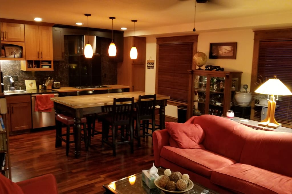 Living Room and Dining Room with Seating for Six