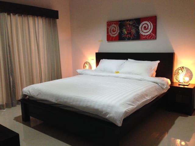 Sri Mas Residence - Blahbatuh - ที่พักพร้อมอาหารเช้า