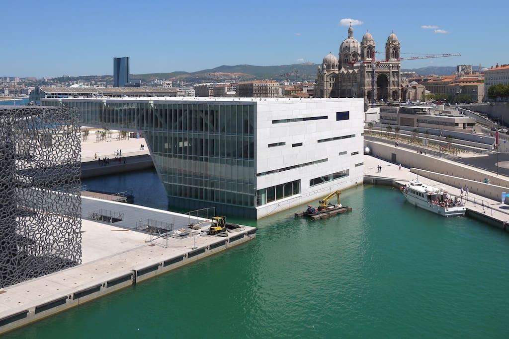A 5 min à pied du Vieux-port, Mucem, la Villa Méditerrannée, la cathédrale de La Grande Major, Les terrasses du port…