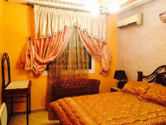 villa de trois étages avec tout confort
