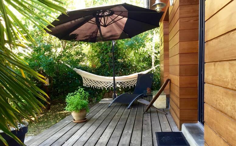 La terrasse aménagée ...  Envie d'une sieste pour se ressourcer ?  YOU NEED A REST ?   HERE IS YOUR NEST !