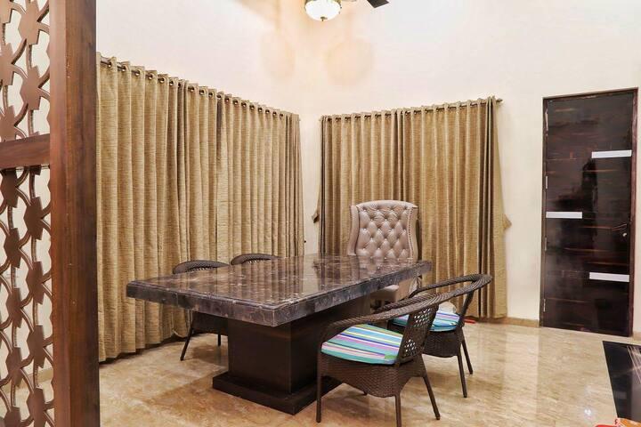 Palace Villa in the heart of Mumbai#MAMUM001