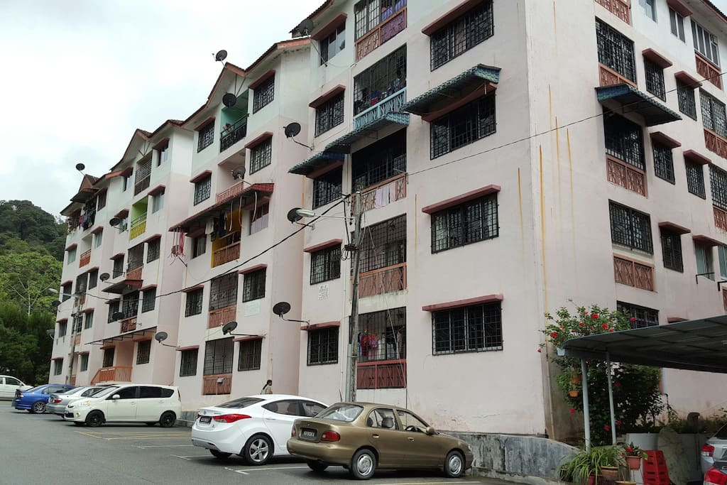 Carnation Park apartment @ the foothills of Gunung Jasar