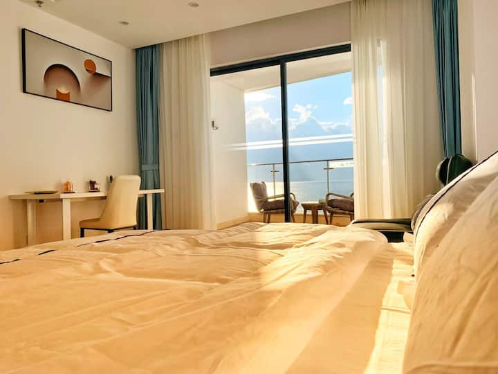 大理维笙山海湾酒店旁    海东洱海边专属海滩    一线全海景精致大床房【莱su】