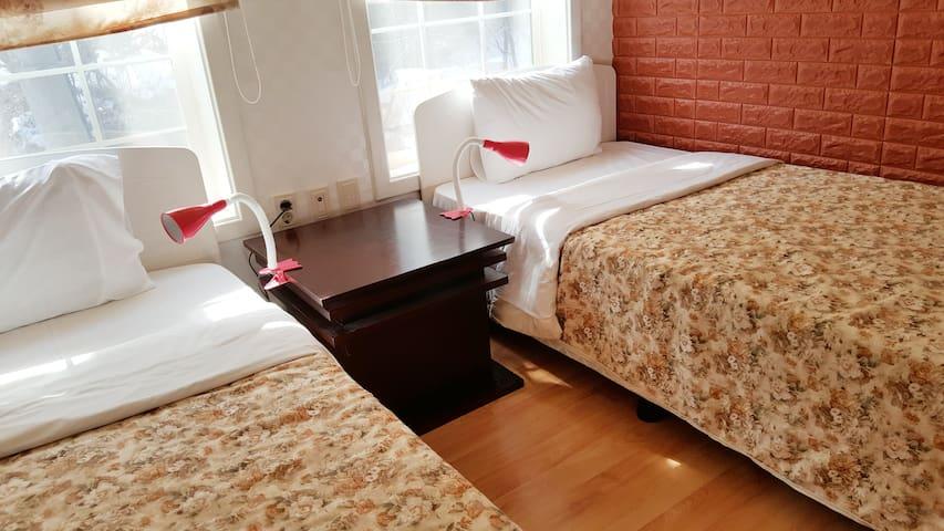 숲속게스트하우스 30평형 여자전용 2인실 - Bongpyeong-myeon, Pyeongchang-gun - Willa