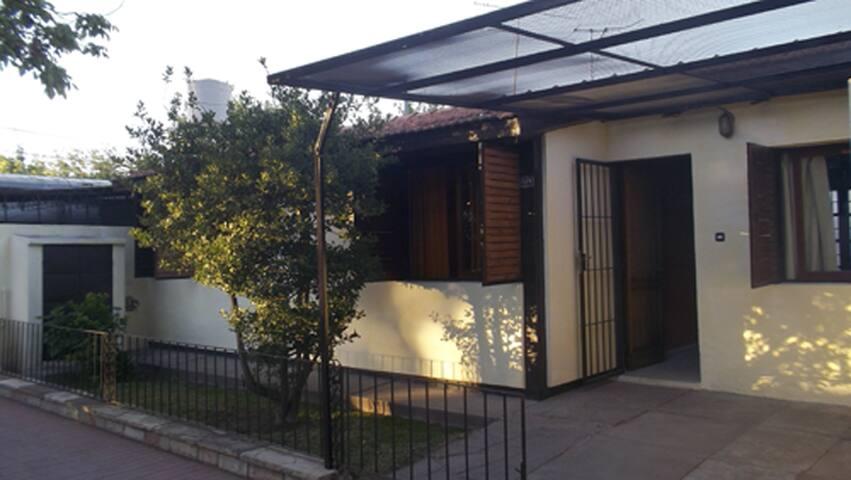 Comoda y calida casa en la ciudad de San Rafael. - San Rafael