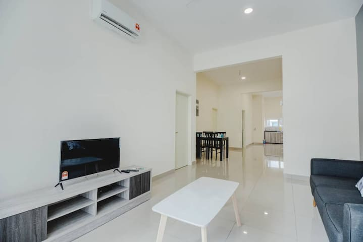 Room only, The Maven Townhouse Balik Pulau