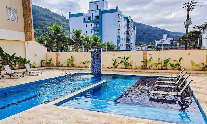 Apartamento à 70 metros praia Toninhas