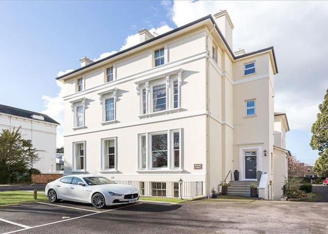 Luxurious top-end apartment in prime location - Cheltenham - Lägenhet
