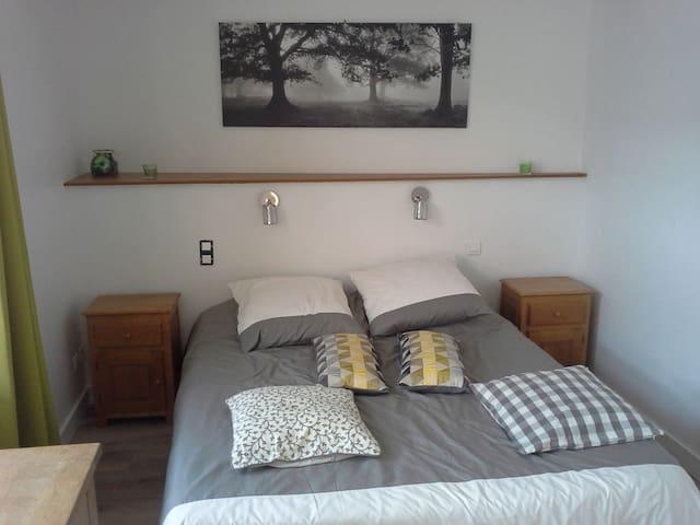 Appartement avec 2 pièces lumineuses et cosy
