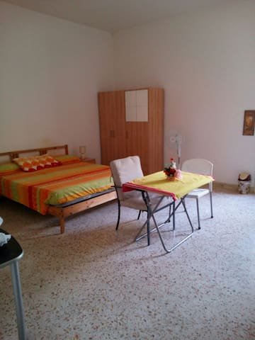 Room use single double triple - Salerno - Apartamento