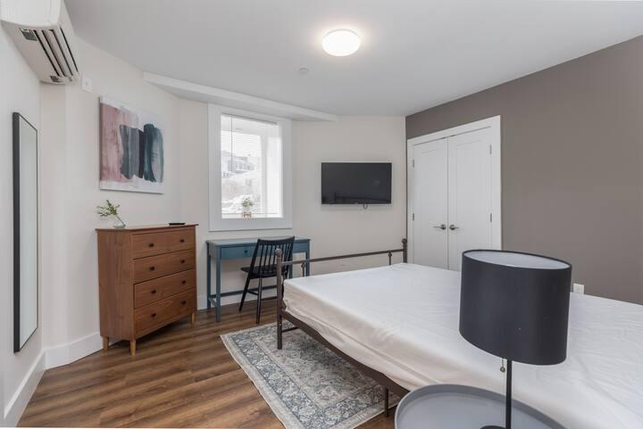 Pvt. Bedroom | Co-living | Dorchester / JFK MBTA