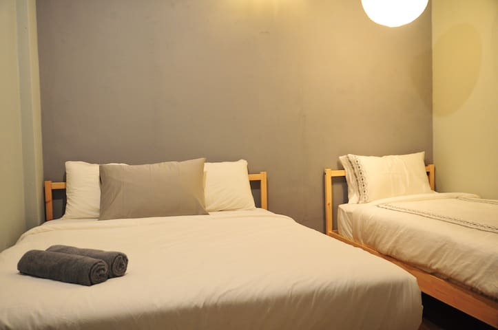 GRAYHAUS SOHO Triple Room South 01 @ IPOH New Town