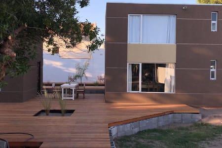 Duplex Verde . Rio Uruguay 161 .