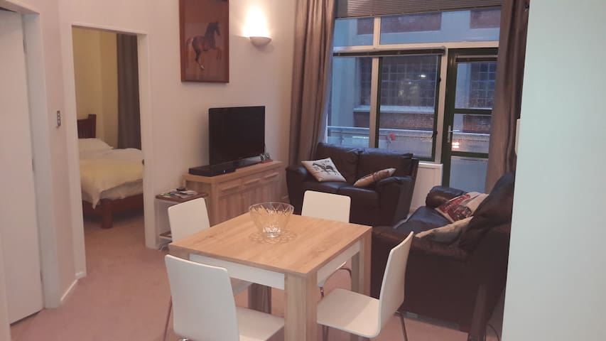 Right in the Centre of the Capital - Wellington - Apartamento