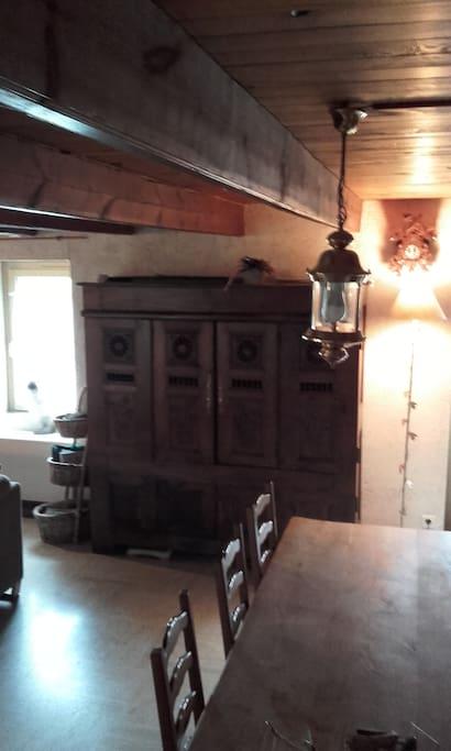 meubles bretons (lit coffre transfomé en vaisselier)