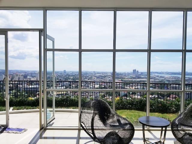 360-degree panoramic Relax Zone