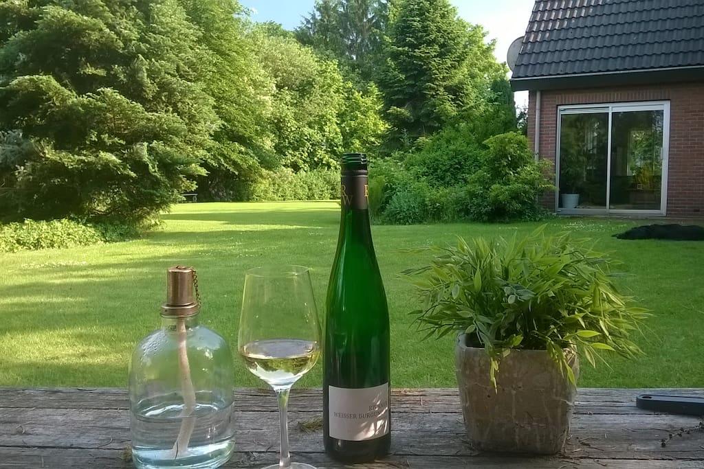 Genieten van een wijntje