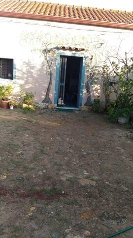 Casa tipica sarda in paese
