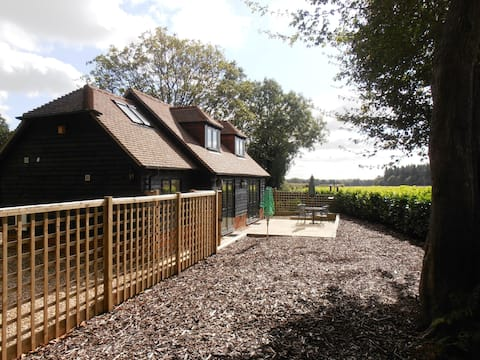 Detached rural  cottage Andover Hampshire