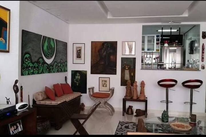 Confortável apartamento em BH com dois quartos - Belo Horizonte - Appartement