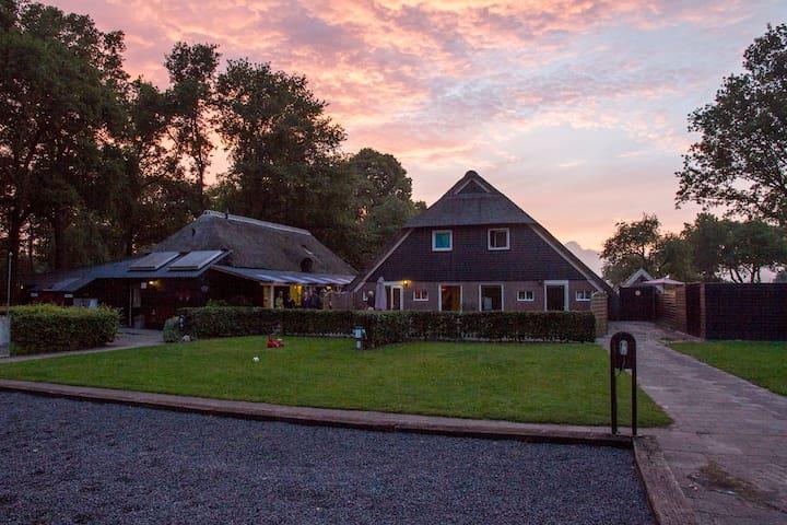 Sfeervol vakantiehuis op het Drentse platteland.