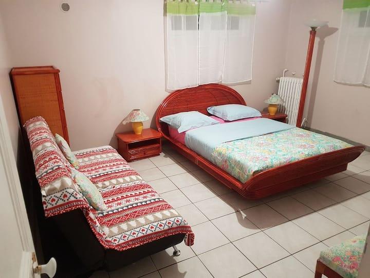 belle chambre spacieuse à Montgeron