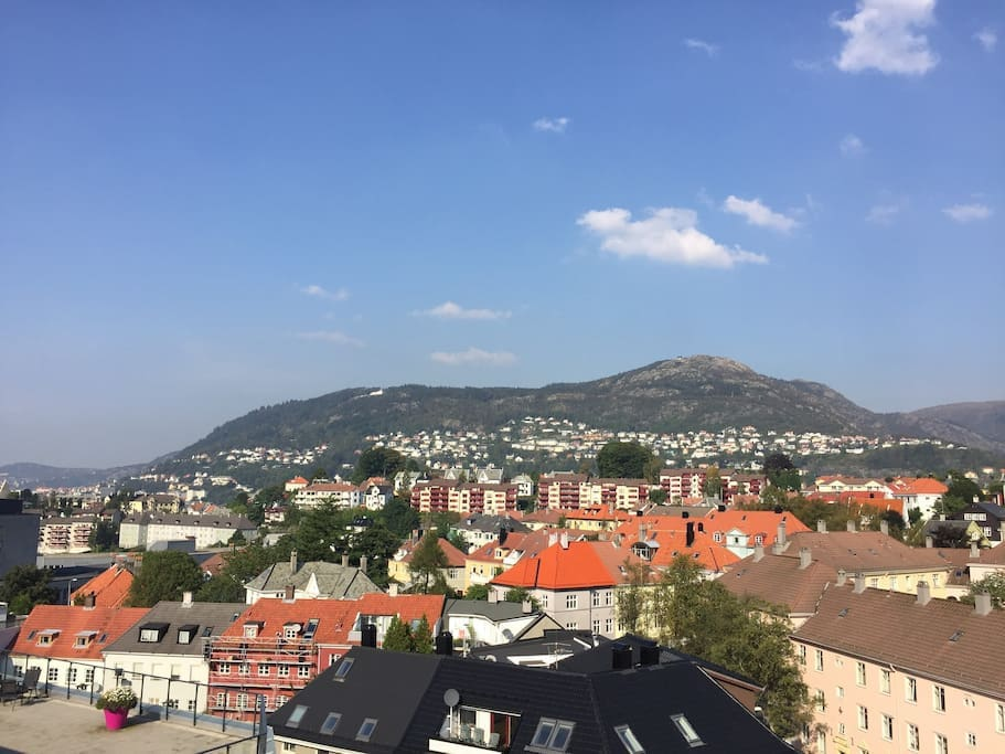 From the roof you get an excellent view of the city center and its surrounding mountains