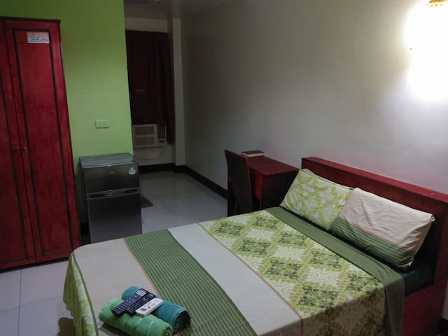 AOSMEC Square Hotel 204 (20 mins from airport)
