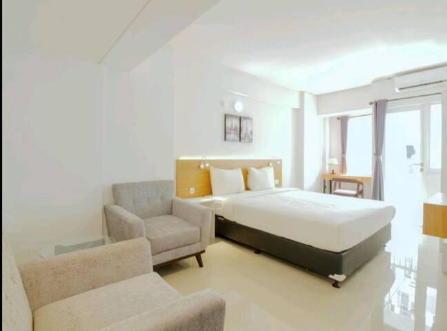 """Stay at cozy stay """"Sentraland Karawang"""""""