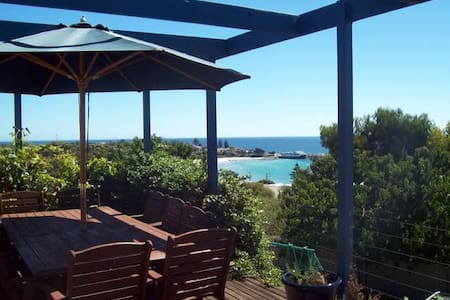 Sea Spray Holiday House - Penneshaw