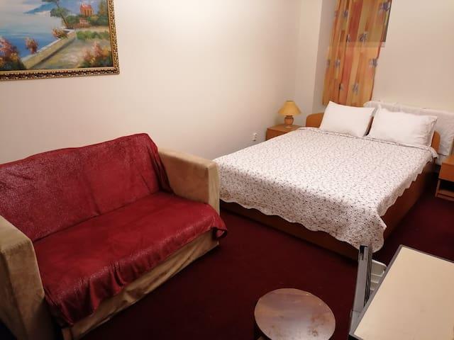 Flower's(4)Accommodation at nr.2Plantelor str.Buch
