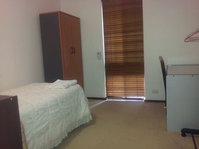 Parklands Single Room - Riverton