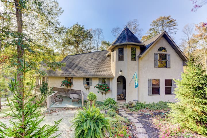 The Lake House - Cherry Ridge Retreat -Hocking Hills Luxury Cabins